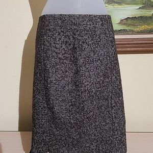 Leon max limited edition 75% wool skirt A35